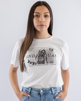 T-shirt com frase